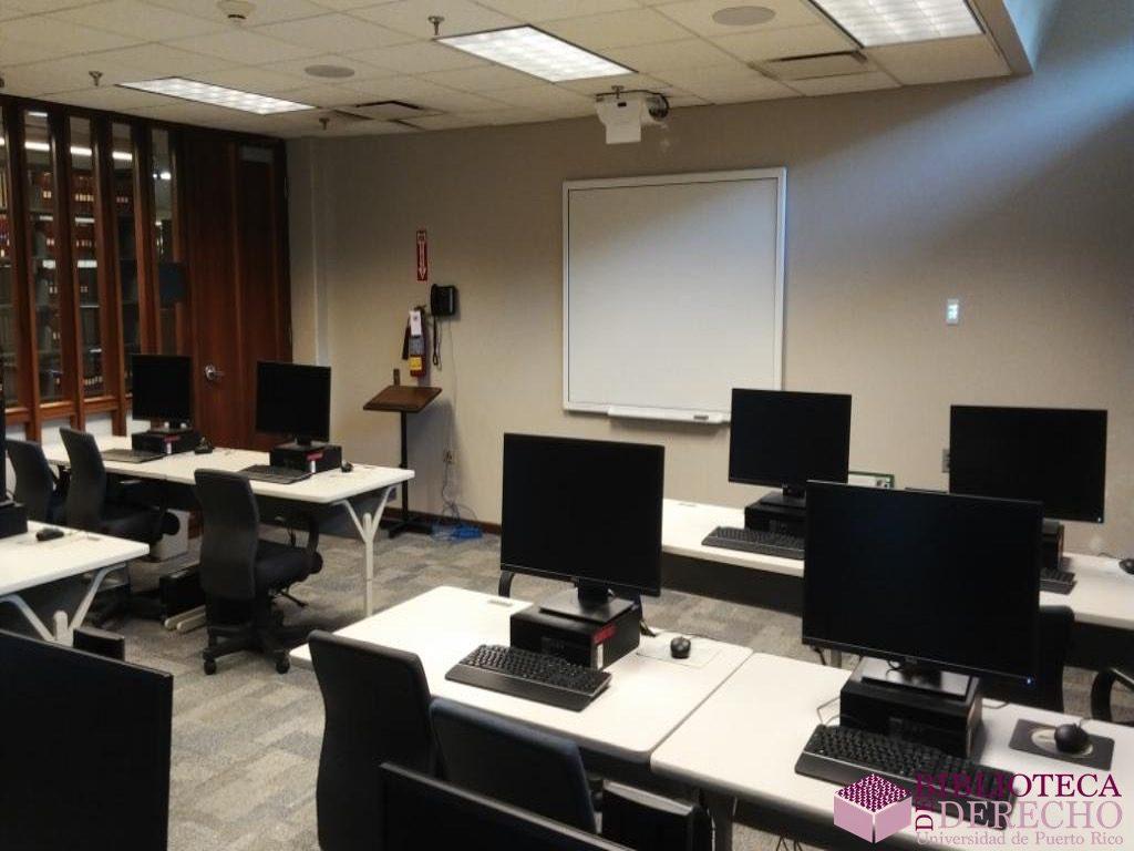 Facilidades de la Biblioteca de Derecho de la UPR 027