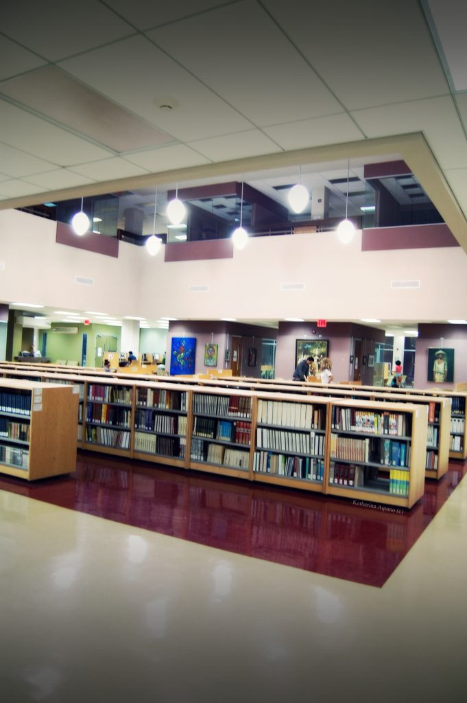 Foto de la Biblioteca UPR Ponce