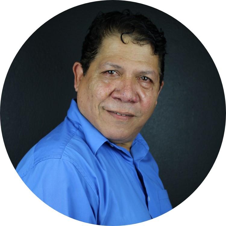 Foto de la Prof. Edwin Vázquez De Jesús