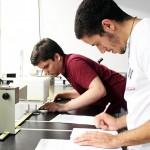 Estudiantes de UPRH en proyecto de investigación