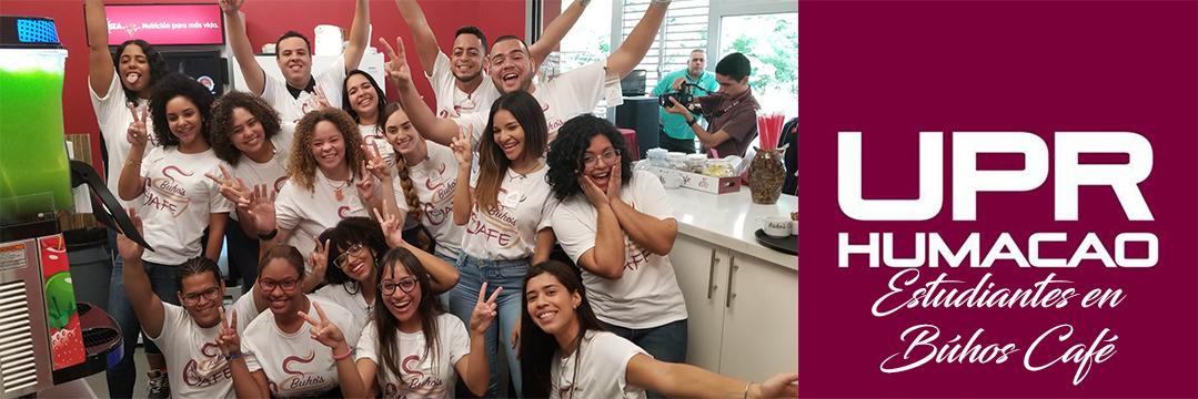Foto de estudiantes en Búhos Café