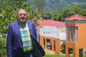 Dr. Luis A Tapia Mandolado, Rector UPR Utuado