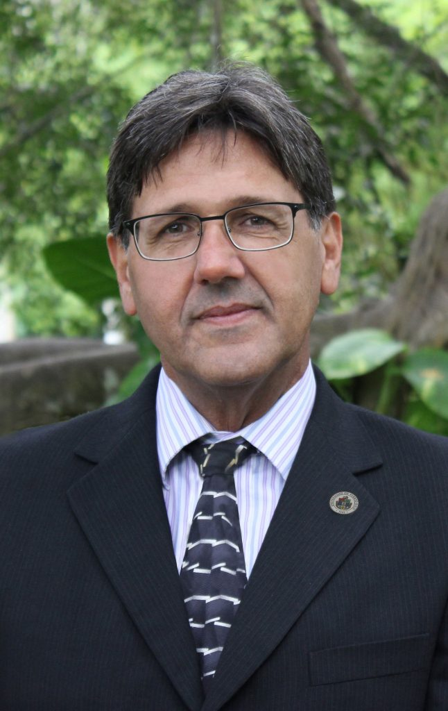 Dr. Darrel Hillman, Presidente Interino de laUniversidad de Puerto Rico