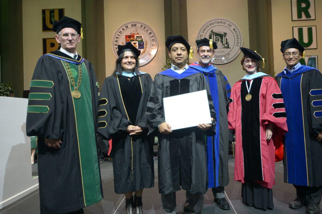 5beb30f7d La primera graduación en enero! – Universidad de Puerto Rico