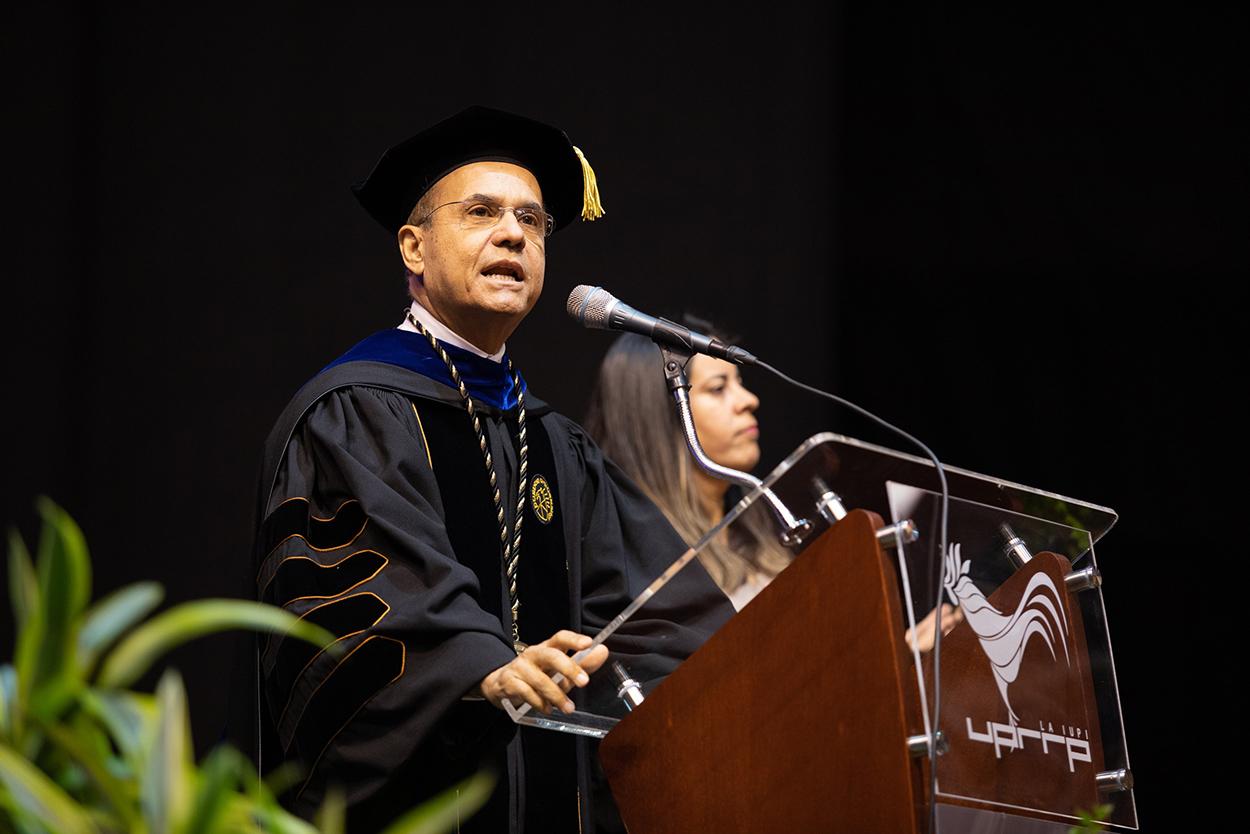 Dr. Jorge Haddock presidente interino UPR - Graduación UPR Río Piedras 2019